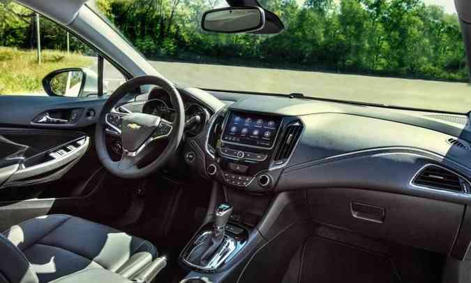 A versão LTZ do Cruze traz a nova geração do sistema multimídia MyLink, com Wi-Fi nativo(foto: Chevrolet/Divulgação)