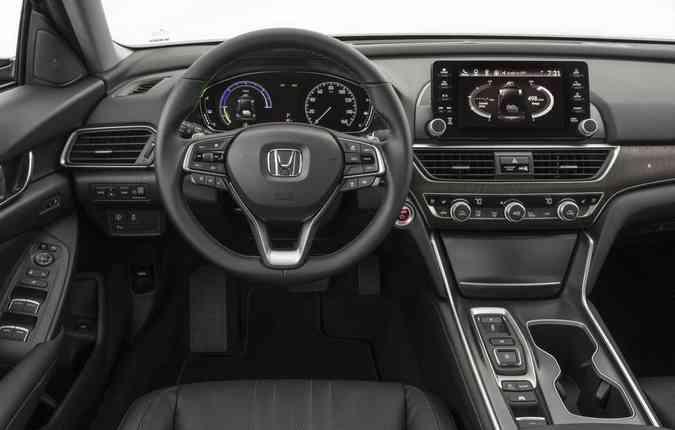 Sedã será o primeiro veículo com a tecnologia e:HEV no país(foto: Honda/Divulgação)